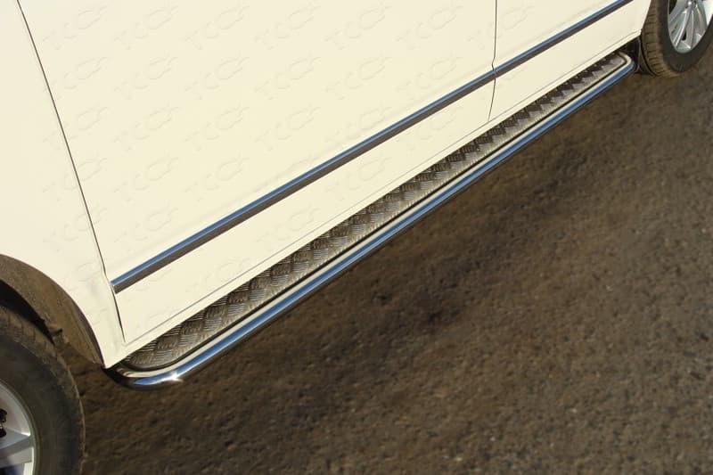 Пороги с площадкой 42,4 мм для Volkswagen Multivan (2015-2018) № VWMULT15-11