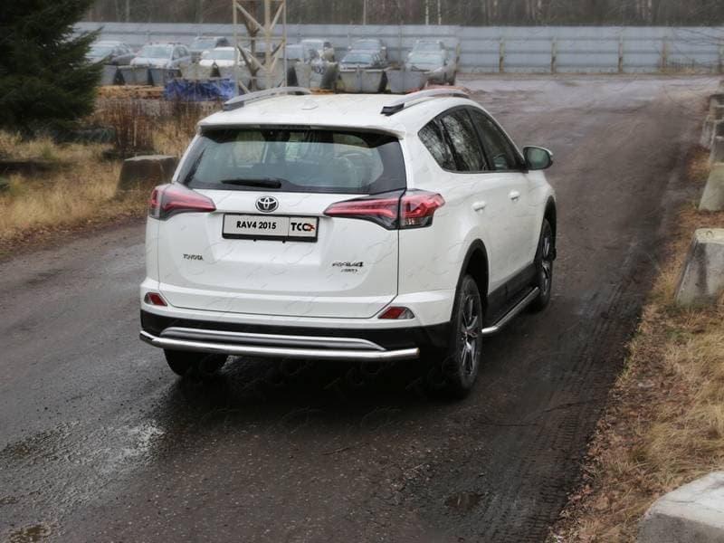 Защита задняя (центральная) 60,3 мм Toyota RAV4 (2015-2018) № TOYRAV15-28