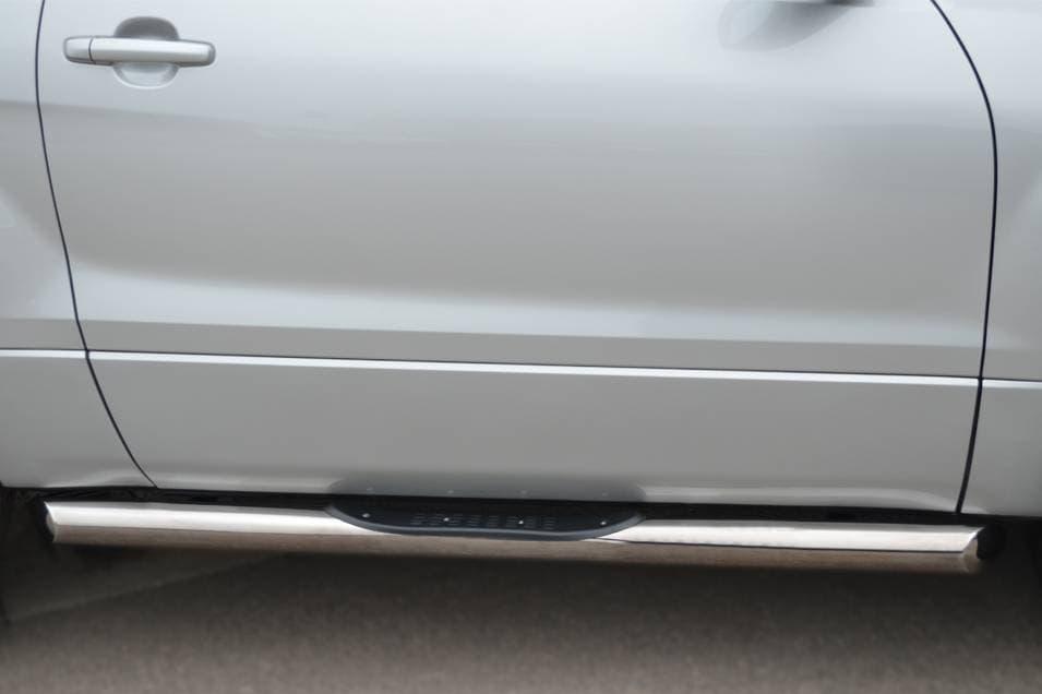 Пороги труба d76 с накладками (вариант 1) Suzuki Grand Vitara 3дв. (2012-2014) № SV3T-0011081